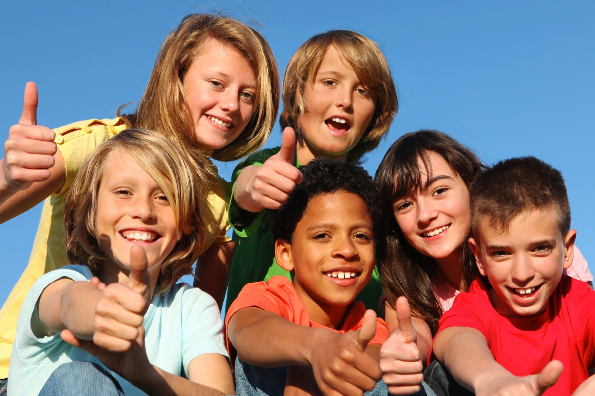 kids happy to be lice free